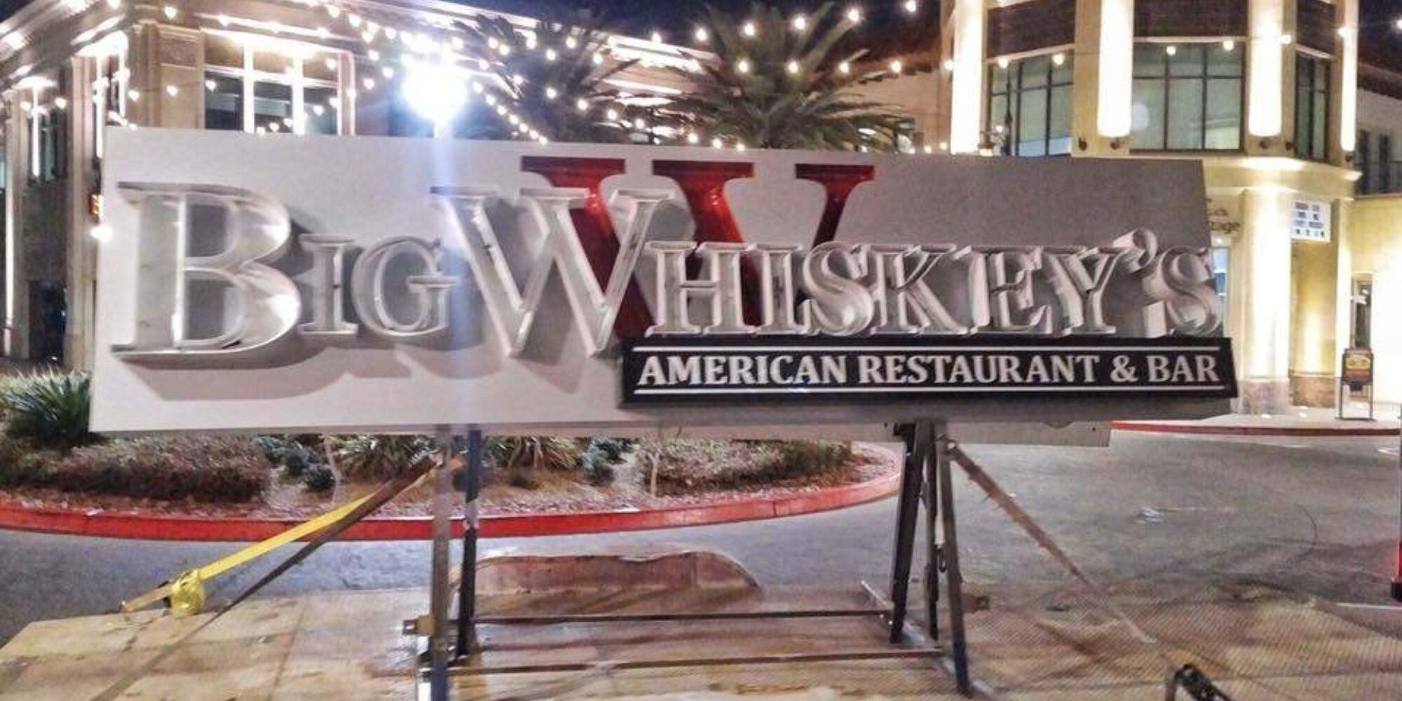 Big whiskeys las vegas sign